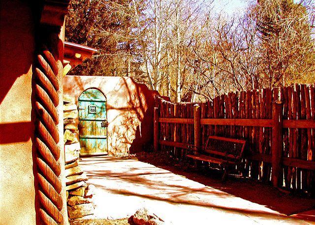 Casa Encantada 7 - walk to town, enclosed yard patio Private Hot Tub - Image 1 - Taos - rentals