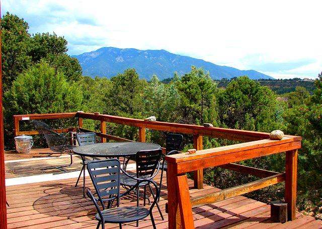 Taos secluded sweeping views patios deck lush gardens loft hot tub dsl - Image 1 - Valdez - rentals