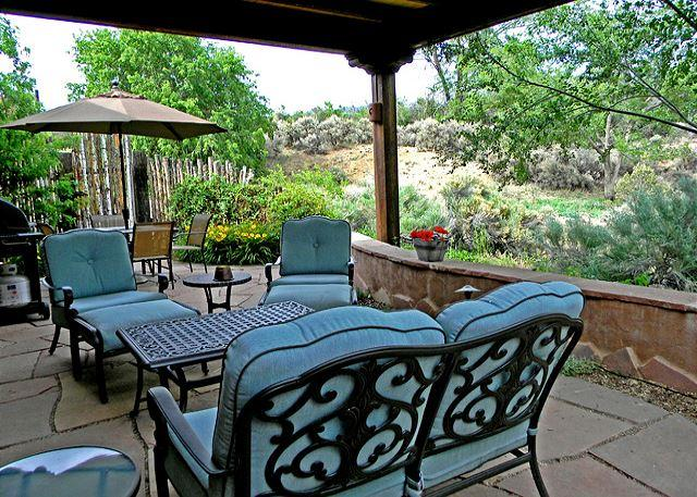 Lush landscaped portal for morning coffee, evening socializing or silent relaxation - Alba de Sun Ra In Town Mountain View Private Patio with  Hot Tub wifi - Taos - rentals