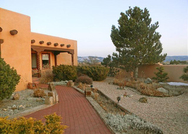 Tristins House -Mountain Views Enclosed Yard Hot Tub - Image 1 - El Prado - rentals