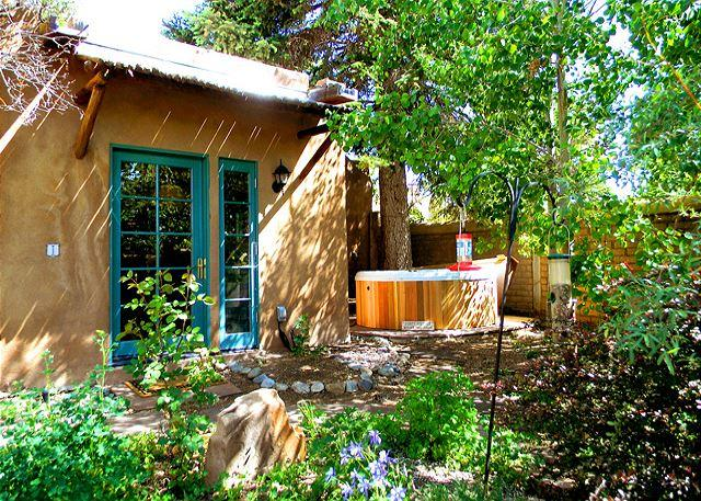 CASA CARLOS - Casa Carlos Walk to Plaza  Hot Tub Authentic Adobe Taos Historic District - Taos - rentals
