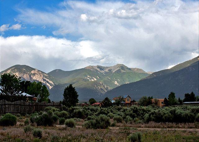 View from front yard - Buena Vista Panoramic Mountain Views Outdoor Kiva Fireplace - El Prado - rentals