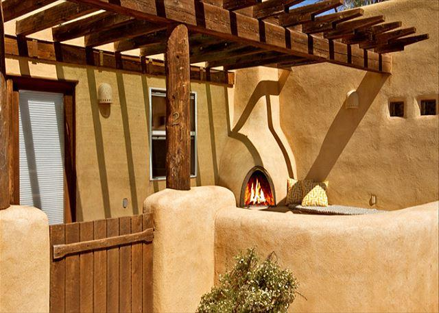 Evening shadows - Buena Vista Panoramic Mountain Views Outdoor Kiva Fireplace - El Prado - rentals