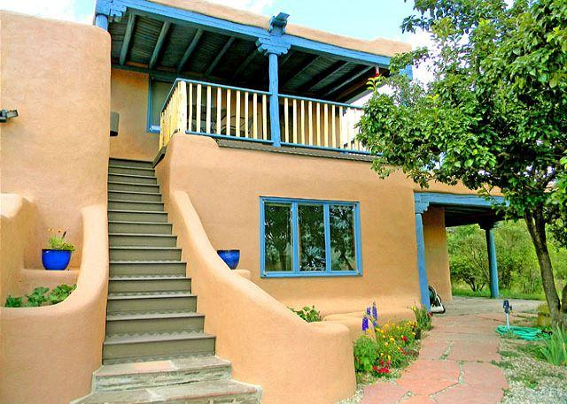 Custom designed, graceful adobe wall stairwell to covered panoramic view deck and studio  - La Maison Studio -Views, Clubhouse pool, tennis, steam room, Hot Tub, Wi-Fi - Arroyo Seco - rentals
