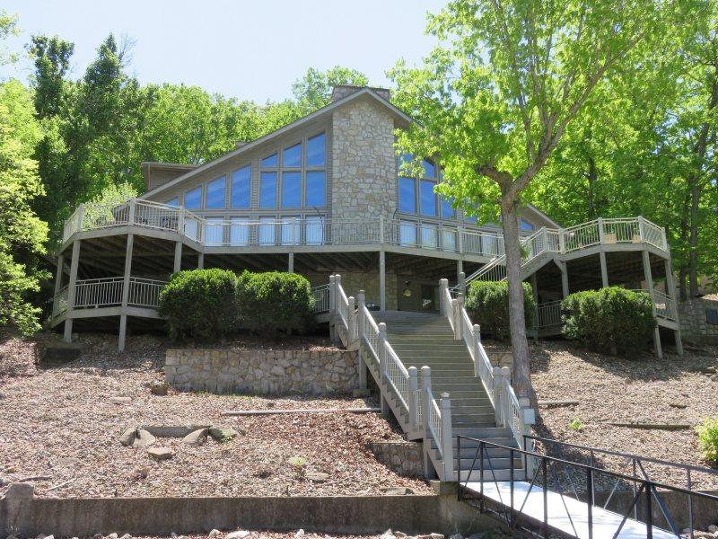 B Home at Larry`s - Stunning 4,000 sq ft home. 53.5 Mile Marker Osage Arm. Wrap Around Decks - Image 1 - Gravois Mills - rentals