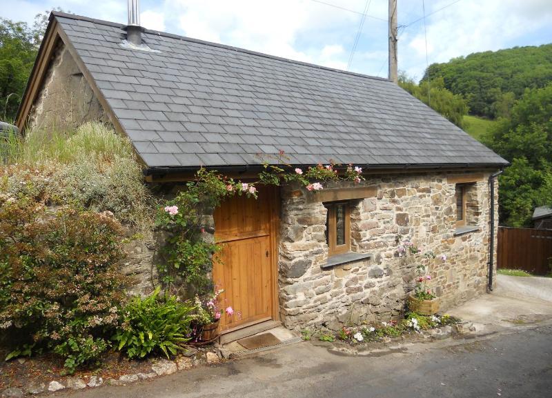 Primrose Cottage - Image 1 - Barnstaple - rentals