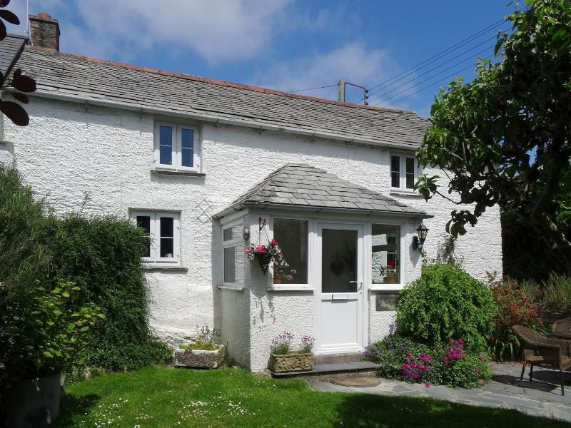 The Cottage - Image 1 - Saint Issey - rentals