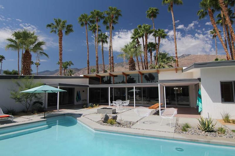 Private backyard with pool and spa - Stunning Original Mid-Century Classic Home - Palm Springs - rentals