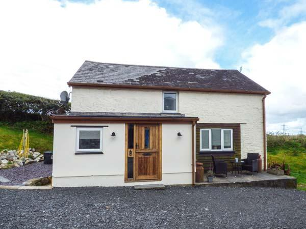 GWENDRE FECHAN COTTAGE character, detached, countryside views, romantic, Kidwelly, Ref 936713 - Image 1 - Kidwelly - rentals