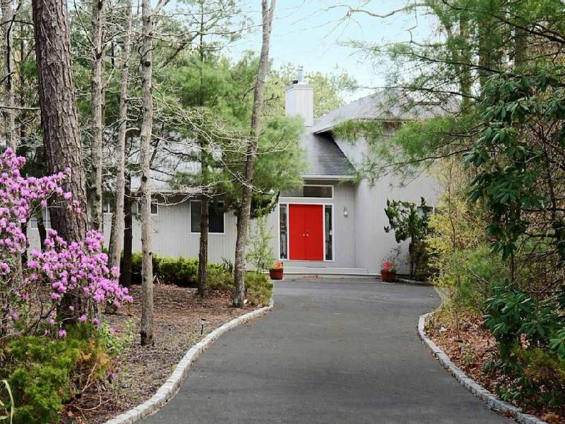 A Quiet Oasis - The Hamptons Getaway - East Quogue - rentals