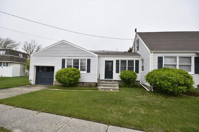 Property 5885 - Wonderful 2 BR-1 BA House in Cape May (5885) - Cape May - rentals