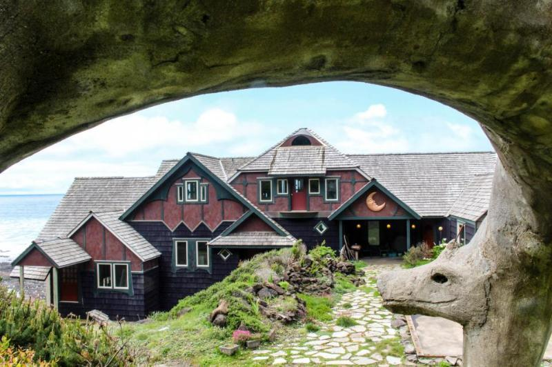 Dog-friendly, oceanfront storybook home w/ private hot tub! - Image 1 - Yachats - rentals
