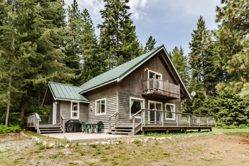 Charming and spacious dog-friendly cabin near the Wenatchee River! - Image 1 - Plain - rentals
