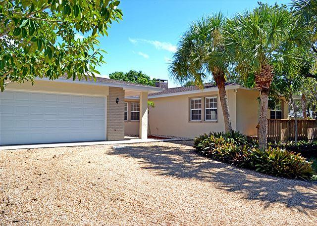 Renovated Spacious Three Suite Siesta Key Vacation Rental Home W/ Heated Pool - Image 1 - Siesta Key - rentals