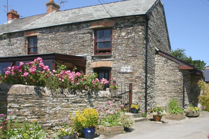 Uphill Cottage - Image 1 - Treburrick - rentals