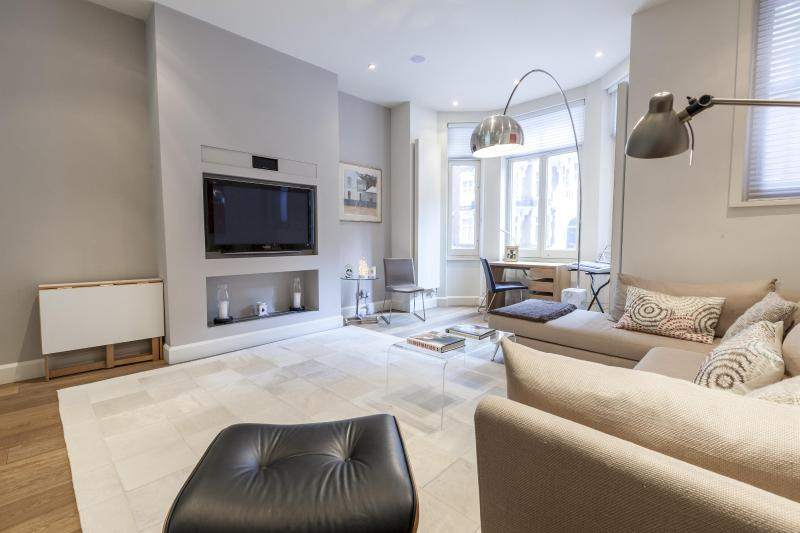 One Fine Stay - Sloane Gardens II apartment - Image 1 - London - rentals