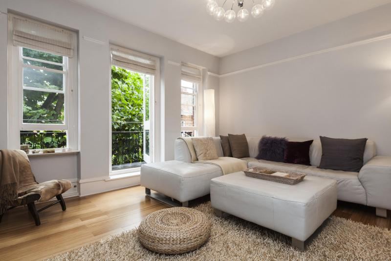 onefinestay - West Kensington Mansions private home - Image 1 - London - rentals