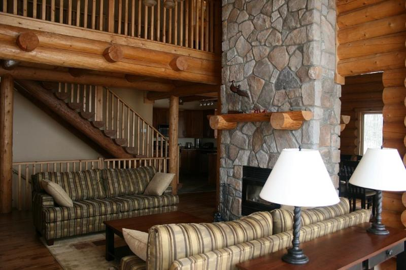 After playing in the outdoors, hang out with friends and family in the beautiful living area - Mont Tremblant Blueberry Lake 6 bedroom 4 bathroom chalet - Labelle - rentals