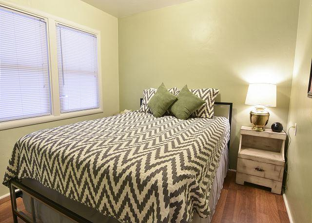 Bedroom with new, comfortable queen bed - Strawberry Creek Suite * Iconic Tavern - McKinleyville - rentals