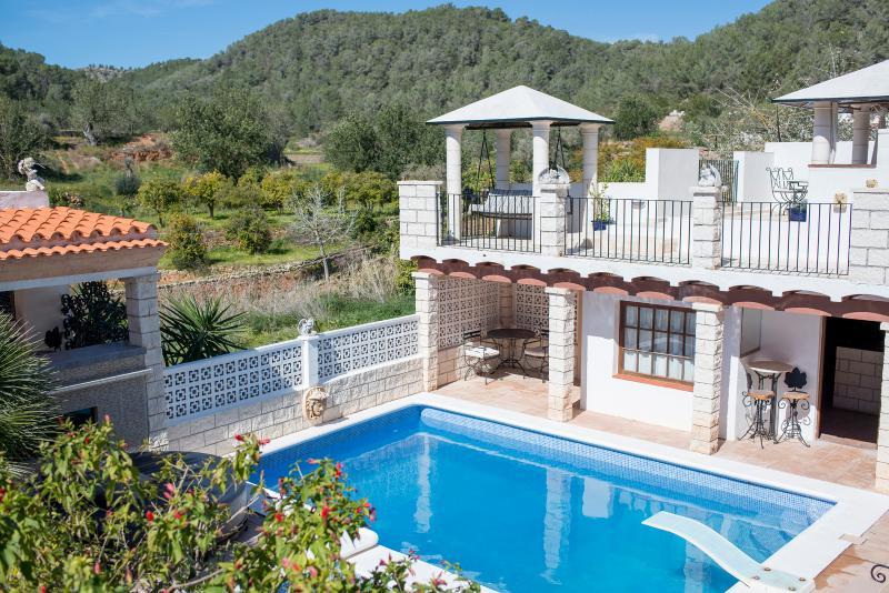 Stunning converted farmhouse with pool & jacuzzi - Image 1 - Sant Antoni de Portmany - rentals