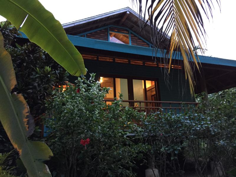 Welcome Home - Sol Mates - Sleeps 6 - Roatan - rentals