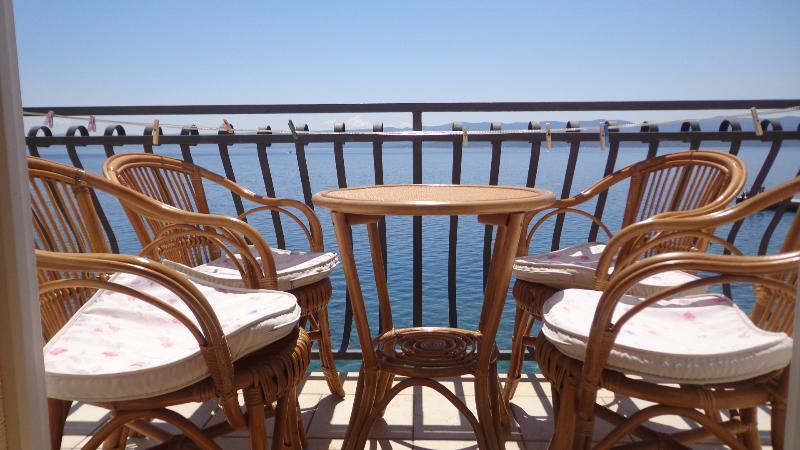 balcony - Seaside Bol apartment Santo 2, breakfast included - Bol - rentals