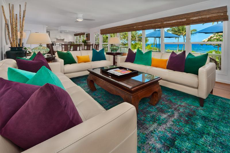 Wailea Sunset Bungalow - Ocean View Great Room with Dining for Six, Leather Sofas, Velvet Down Pillows, Vintage Imported One-Of-A-Kind Wool Overdyed Rug, Games & Books in Cabinet, and Large Screen HDTV - Wailea Sunset Bungalow - Wailea - rentals