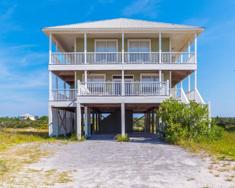 'Sawgrass' is a fantastic beach getaway.  Located just a short walk to the water - Sawgrass - Fort Morgan - rentals