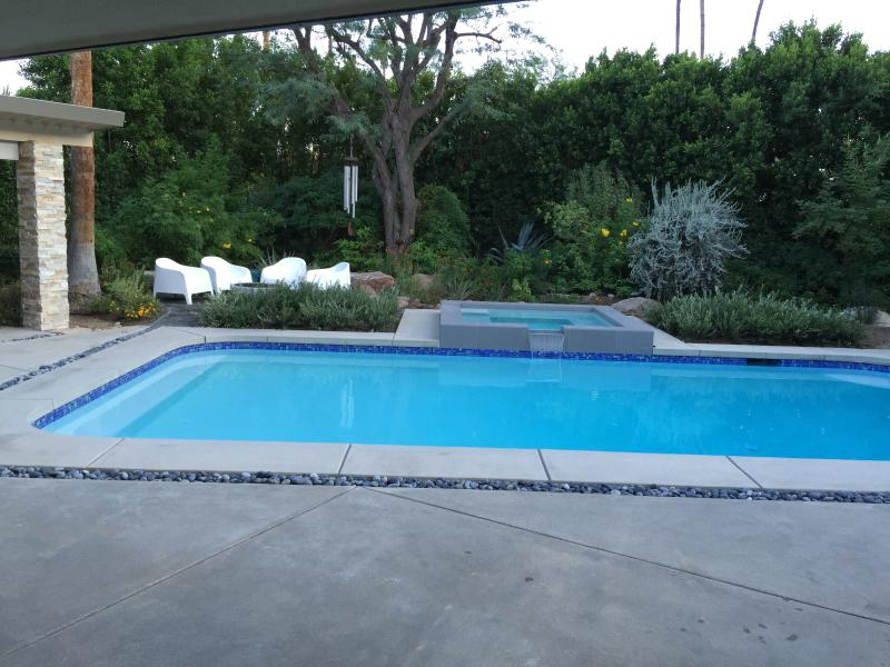 Pool/hot-tub and fire-pit in lush gardens - Perfect! PS Home Views 3 Bed/3 Bath/HOTTUB/FirePit - Palm Springs - rentals