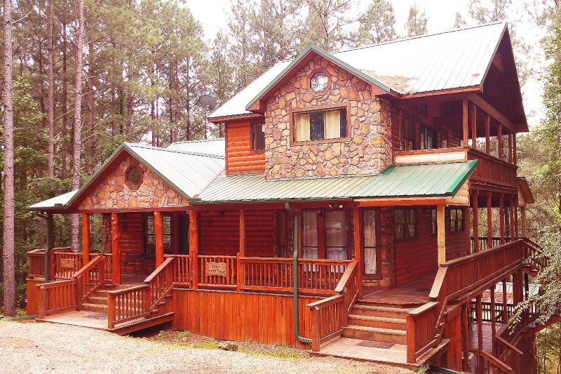 Hilltop Green Manor - Image 1 - Broken Bow - rentals