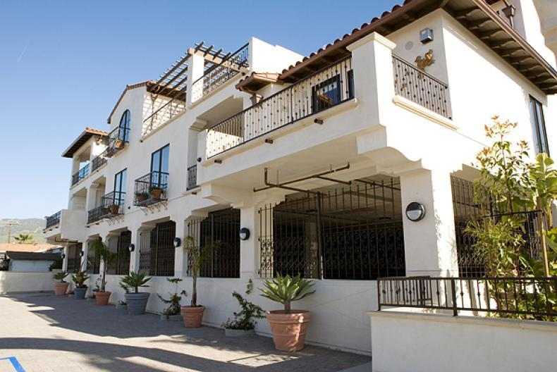 Luxury, Privacy, and Convenience in Downtown Pismo Beach Valentina Suite 201 - Image 1 - Pismo Beach - rentals