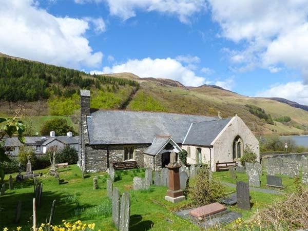 ST. MARY'S, converted Grade II* listed church, original featurs, walks from the door, Tal-y-Llyn, Ref 26732 - Image 1 - Tal Y Llyn - rentals