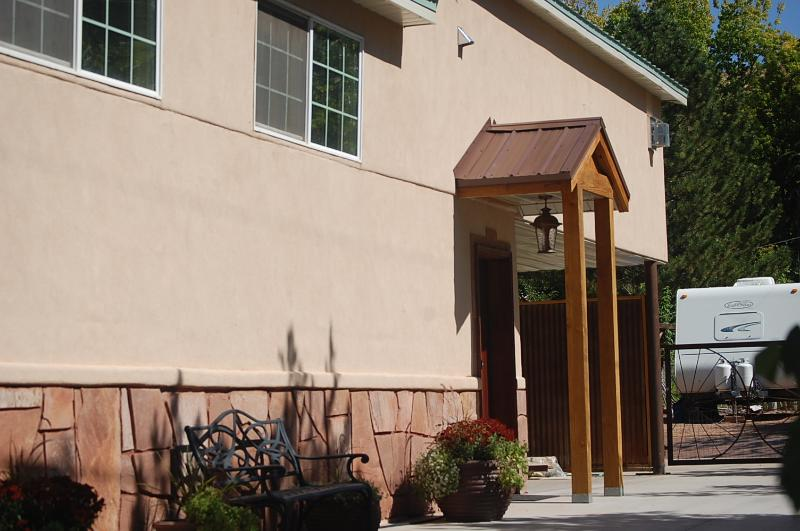 Su Casa Inn private entrance - Moab Vacation Rental - Moab Best Condo Rental - Moab - rentals