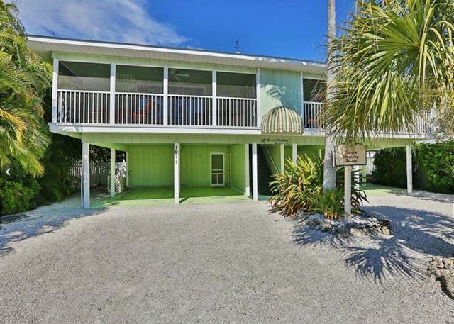 Fully Renovated Beachside Getaway with Heated Pool – Walk to Restaurants - Image 1 - Siesta Key - rentals