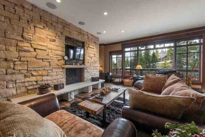 Our ski-in/ski-out Deer Valley condo offers 3 Bedrooms, 3.5 Bathrooms, state-of-the-art kitchen, elegant living area and endless amenities. - Arrowleaf at Empire Pass in Deer Valley - Park City - rentals