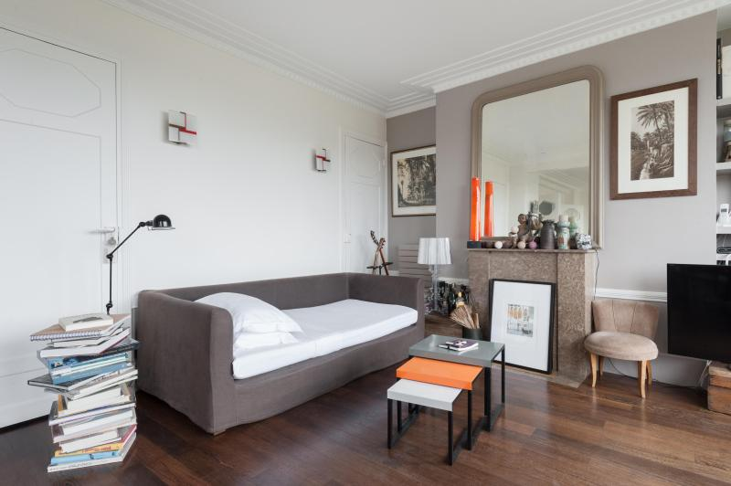 onefinestay - Avenue de Suffren private home - Image 1 - Paris - rentals