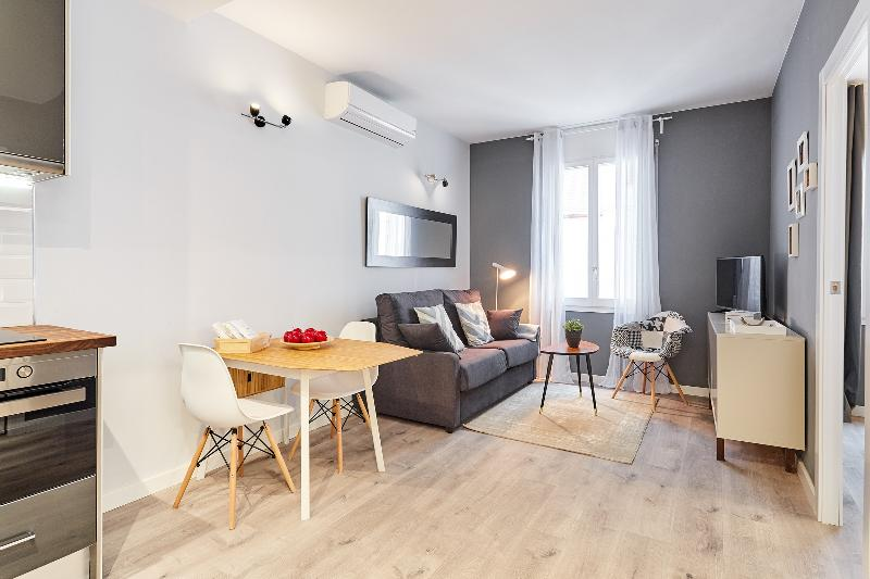 Urban District - MA31 Apartment with terrace (3BR) 3 - 15% LAUNCH & SUMMER PROMO - Image 1 - Barcelona - rentals