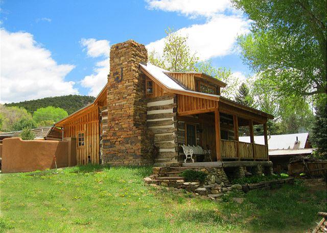 JORDAN CABIN - Jordan Cabin Historic Semi Secluded  Setting Stream and cotton wood trees - Ranchos De Taos - rentals