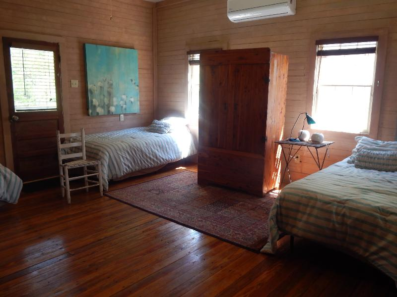 Great room with streaming light thru operable windows - Cajun Creole Cottage on Bayou Teche - Arnaudville - rentals