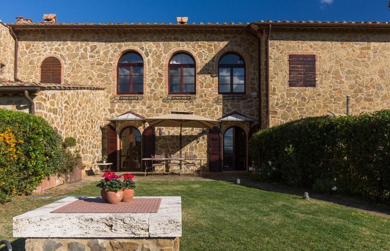 Apartment within a Villa in Southern Tuscany - Il Ritrovo - Image 1 - Asciano - rentals