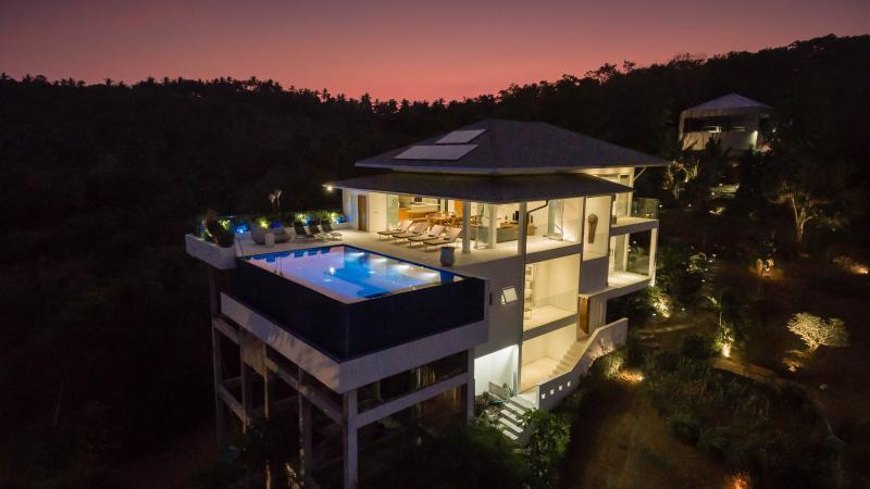 Baan Kuno: Infinity pool with stunning sea-views - Image 1 - Bophut - rentals