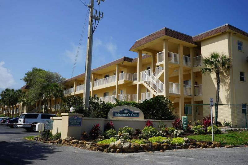 Enjoy Quiet Beachfront Living and All New Kitchen - Image 1 - Siesta Key - rentals