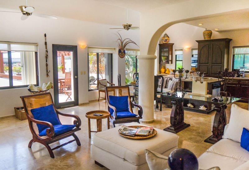 Two Bedroom Penthouse condo rental for those expecting Everything - Image 1 - Playa del Carmen - rentals