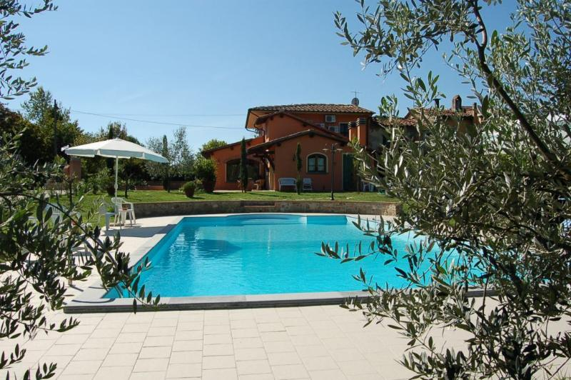Villa with private pool at 50km from Pisa/Florence - Image 1 - Chiesina Uzzanese - rentals