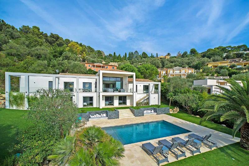 Villa Charlotte, Sleeps 10 - Image 1 - Villefranche-sur-Mer - rentals