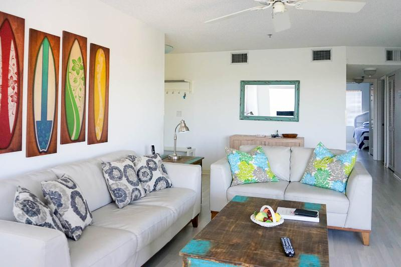Entrance and living - Absolutely Perfect - Cove at Sandy Pointe #207 - Holmes Beach - rentals