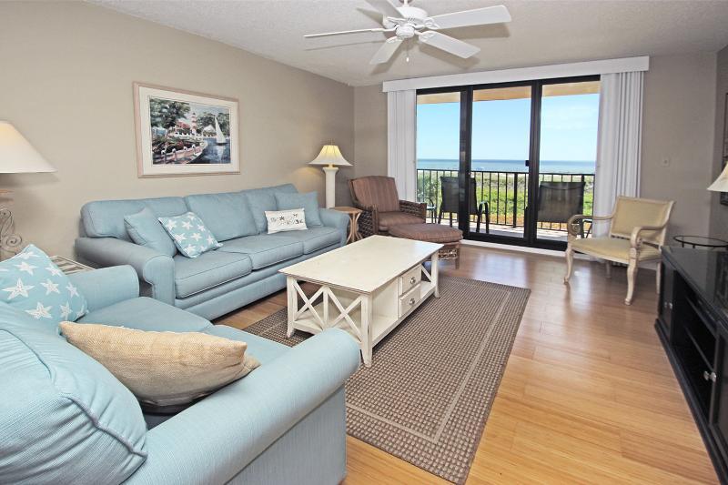 Island Club, 5204 - Image 1 - Hilton Head - rentals