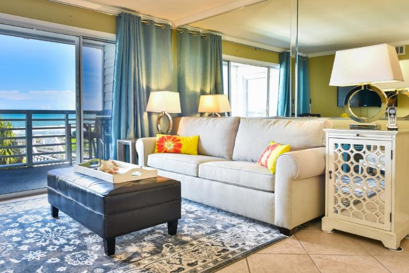 Delightfully decorated! Ocean right at your fingertips! - SURFSIDE BEACH LUX OCFRT BOOKING FOR SUMMER 2017 - Surfside Beach - rentals