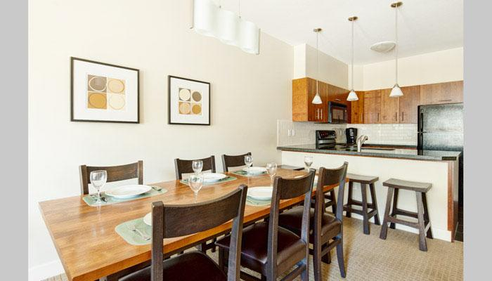 This townhome is furnished to look chic and modern - 2 Bedroom Townhome | Lookout Townhomes, Panorama - Panorama - rentals