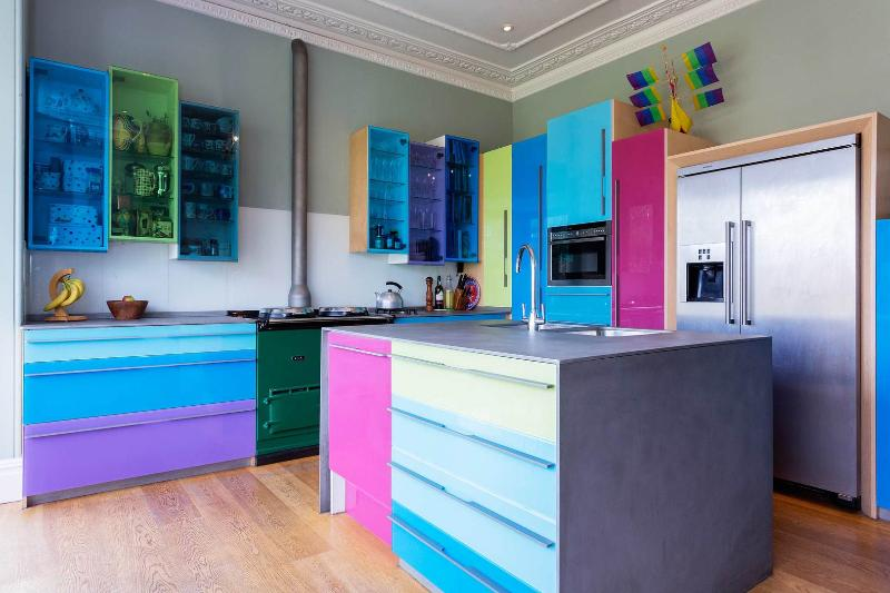 A colourful and bright five bedroom house in Wandsworth - Image 1 - London - rentals